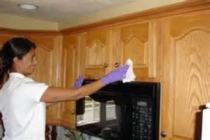 how to clean dirty kitchen cabinets