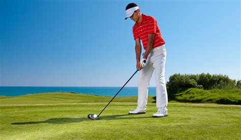 golfer swinging hip rotation golf images