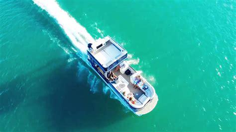 pontoon boats high performance 2016 high performance pontoon boat options video avalon