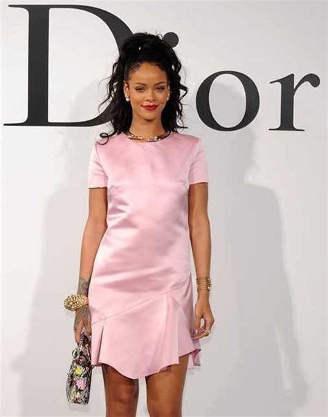 Rihana Syari Pink is pink the new black rihanna says yes popdust
