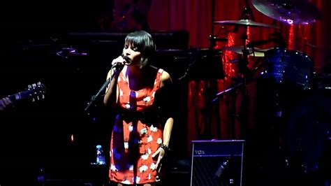 norah jones what am i to you norah jones what am i to you live in argentina 2010