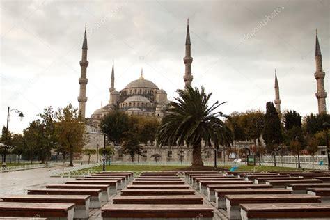 foto de mezquita azul estambul la mezquita azul en estambul foto de stock 169 k b v