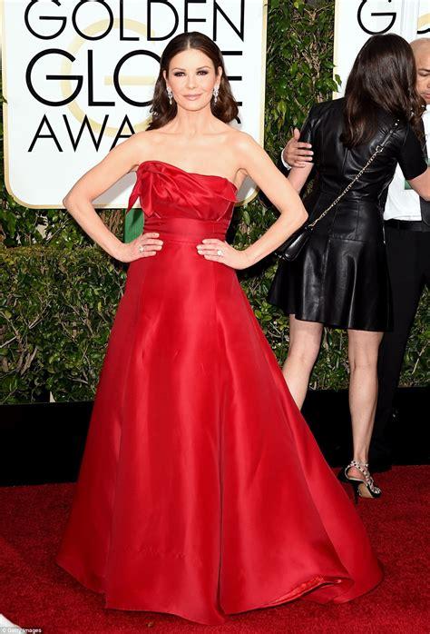 Catwalk To Carpet Catherine Zeta Jones by Golden Globes 2015 S Carpet Invaded By Brits Rosamund