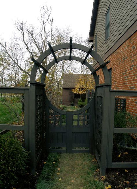 Wood Patio Gate Custom Made Arbors Trellises Amp Pergolas Dayton Ohio