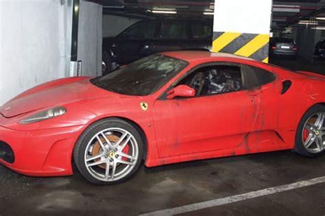 Zapaljen Ferrari U Beogradu by Crveni Ferari Zapaljen Posle Bračne Svađe Kurir