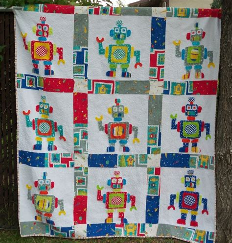 Patchwork Quilts For Children - robot quilt favequilts