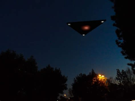 U F O breaking triangle ufo sighting on