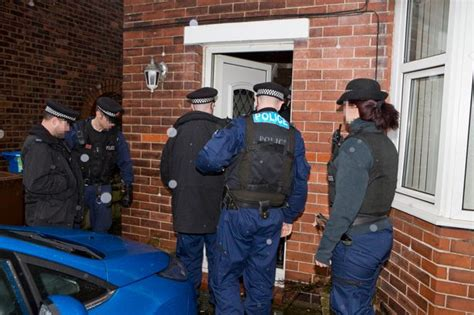 What Makes A Search Warrant Invalid Two Arrested As Target Fraudsters And Money Mules Manchester Evening News