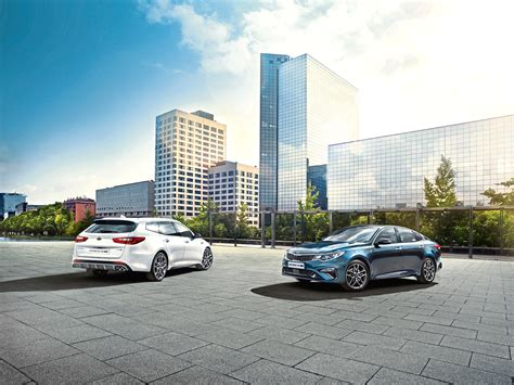 Kia Optima Upgrades by Kia Upgrades Its Optima Saloon And Sportwagen Estate