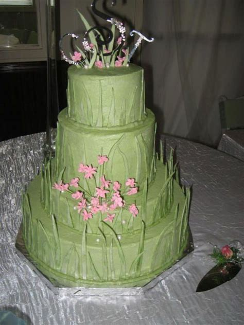 Green Grass Wedding Cake   CakeCentral.com