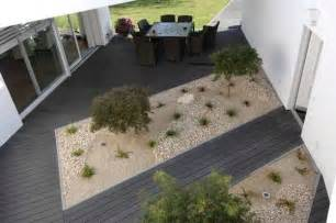 Patio Flooring Options by 22 Composite Flooring Ideas To Bring Contemporary Style