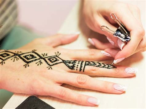 tattoo questions and answers 100 henna tattoo questions and answers dotwork