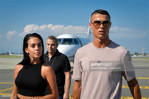 ronaldo juventus arrival photos vid 233 o l arriv 233 e de cristiano ronaldo en italie avec sa famille