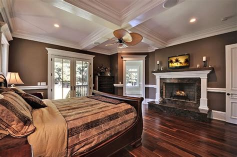 Kitchen Ceiling Fan Ideas dormitor mobilat clasic cu pereti maro inchis si parchet