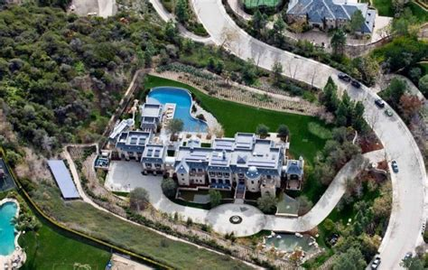 dr dre buys tom brady gisele bndchen mansion for 40m dr dre just dropped 50 million to buy tom brady and