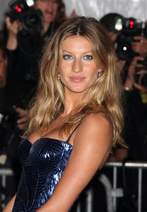 gisele bunchden hair for women over 40 gisele bundchen long center part gisele bundchen hair