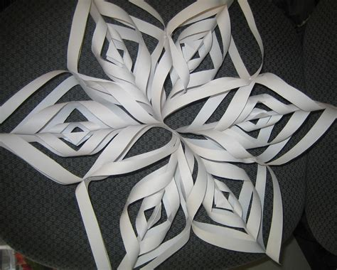 How To Make Awesome Paper Snowflakes - awesome 3d paper snowflake ideas