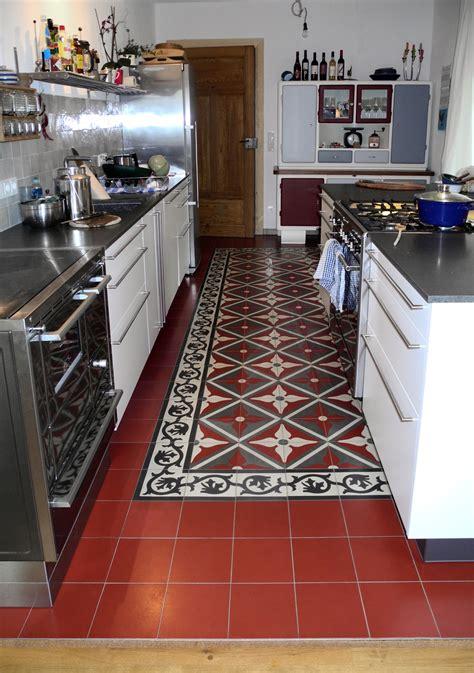 küche und bad kollektion hochzeitstisch mit blumen deko