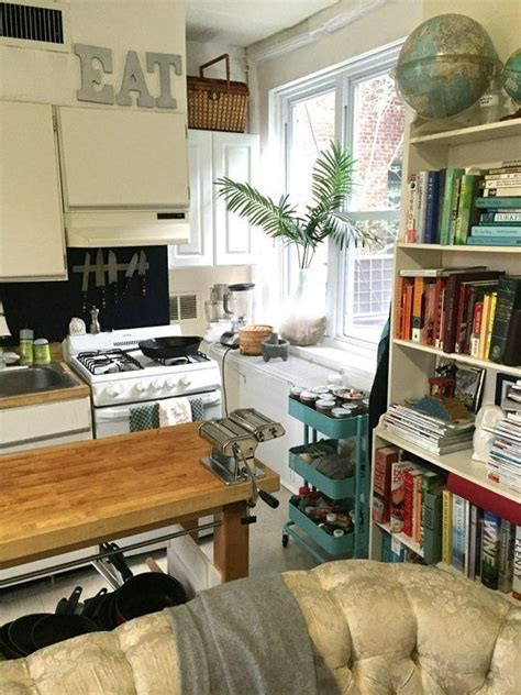 marias cozy   city small cool apartment therapy