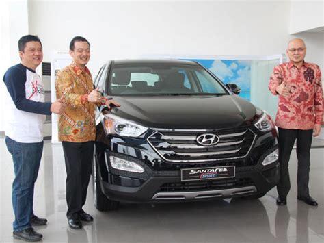 Kaos Mobil Hyundai Santa Fe Murah hyundai santa fe sport meluncur dengan harga terjangkau
