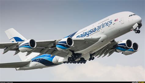 Miniatur Pesawat Malaysia Airline Airbus 380 9m mne malaysia airlines airbus a380 at