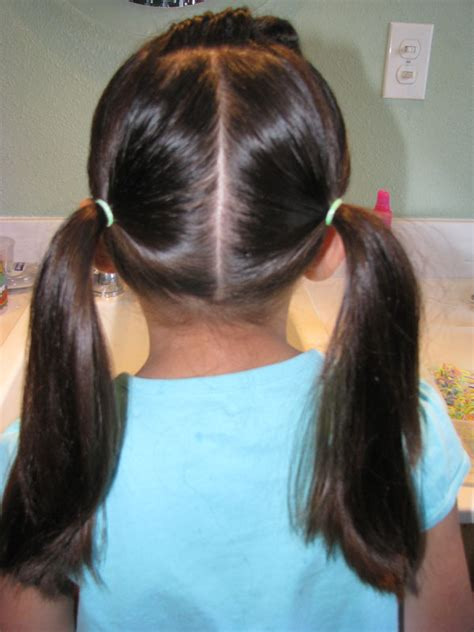 hair styles in two ponies two ponytails short hairstyle 2013