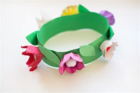 How To Make A Flower Crown With Paper - diy egg flower crown