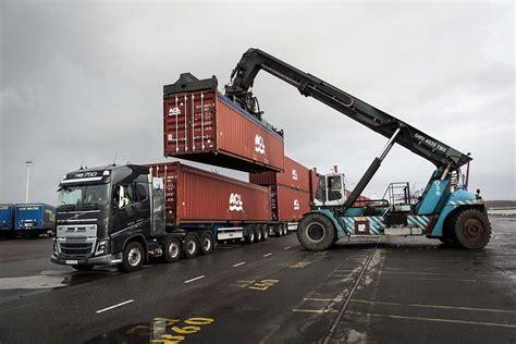 volvo truck 2016 volvo trucks 750 tonnen aus dem 196 rmel gesch 252 ttelt