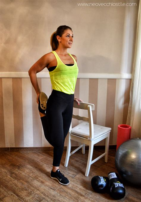 ginnastica da fare a casa gambe e glutei 4 esercizi da fare a casa