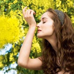 how to make your stop smelling how to wear scent not perfume during summer self