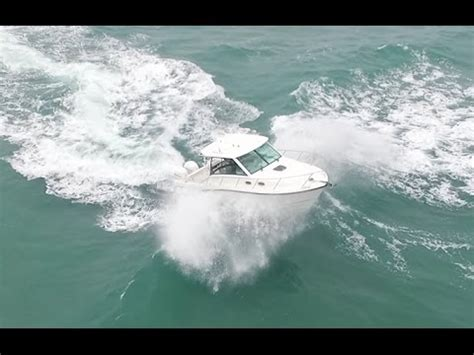 boat sinks in jupiter inlet jupiter inlet cabin and fishing boats