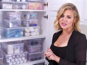 khloe kardashian organization khlo 233 kardashian shows off her organized medicine cabinet