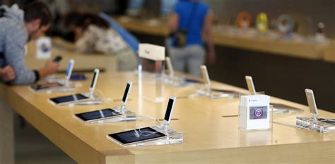 us apple stores to begin offering prepaid and month to month iphone plans
