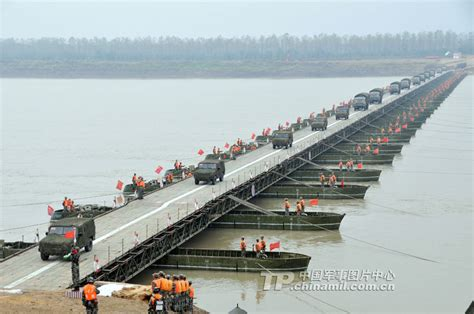 what is a pontoon bridge 280 truck russian aid convoy set to reach ukraine border