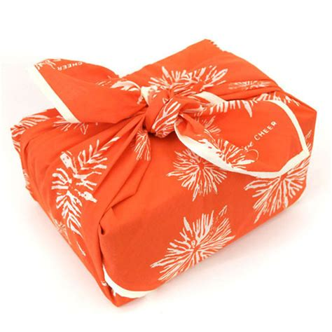 fabric gift wrapping 4 inspiring eco friendly gift wrapping ideas