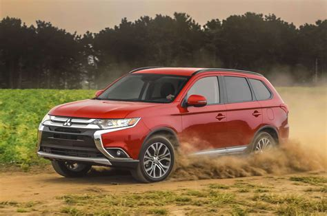 mitsubishi outlander off road comparison toyota chr 2018 vs mitsubishi outlander