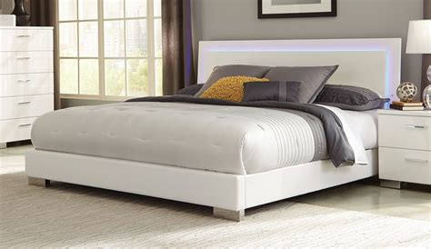 White King Platform Bed Felicity White King Platform Bed From Coaster 203500ke Coleman Furniture