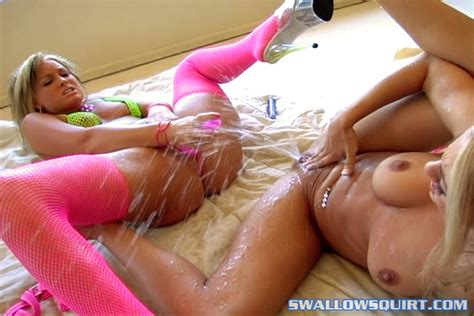 Babe hot squirting