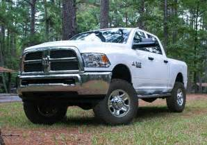 superlift 2014 dodge ram 2500 3500 2 5 quot front leveling kit