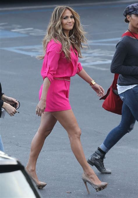 Jlo To Appear On Idol by In Pink Shorts At American Idol 20 Gotceleb