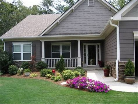 landscaping ideas for front of ranch style house 17 landscaping ideas for ranch style homes zacs garden