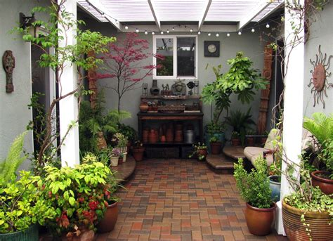 courtyard ideas interleafings garden designers roundtable expanding