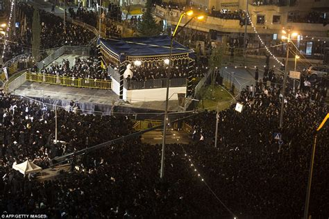 Hasidic Wedding – Traditional Ultra Orthodox Jewish wedding