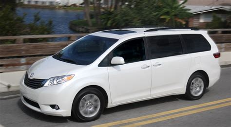 4 Wheel Drive Minivans by 2015 Toyota Review Your Best Choice In An All
