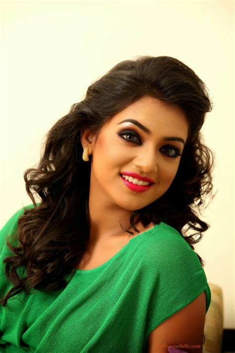 cute nazriya hd wallpaper actress nazriya nazim hd images