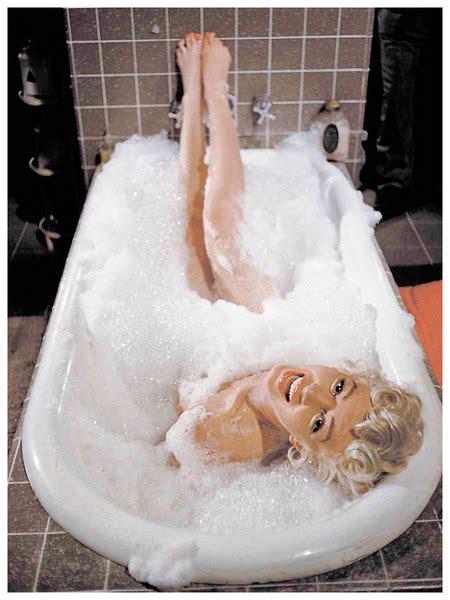 marilyn monroe bathtub marilyn bathtub 28 images nostradamus predicts the untimely demise of marilyn