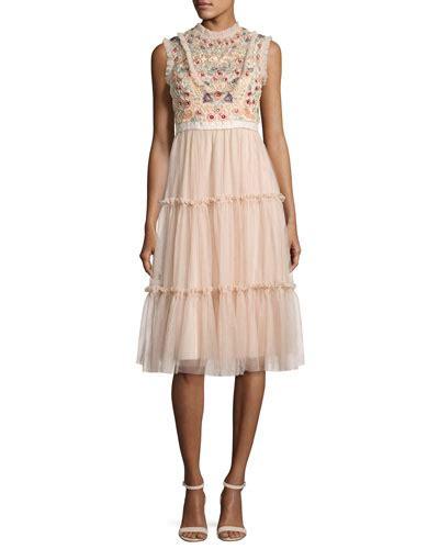 Ciara Maxi Selendang Mk 289 needle thread clothing dresses at neiman