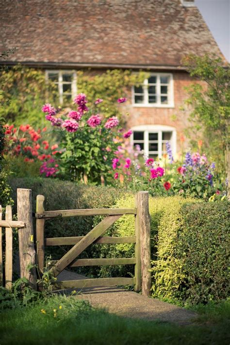 cottage inglese 25 best ideas about cottages on
