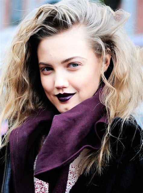 blonde hair purple lipstick lindsey wixson 1980s blonde dark lips drew barrymore
