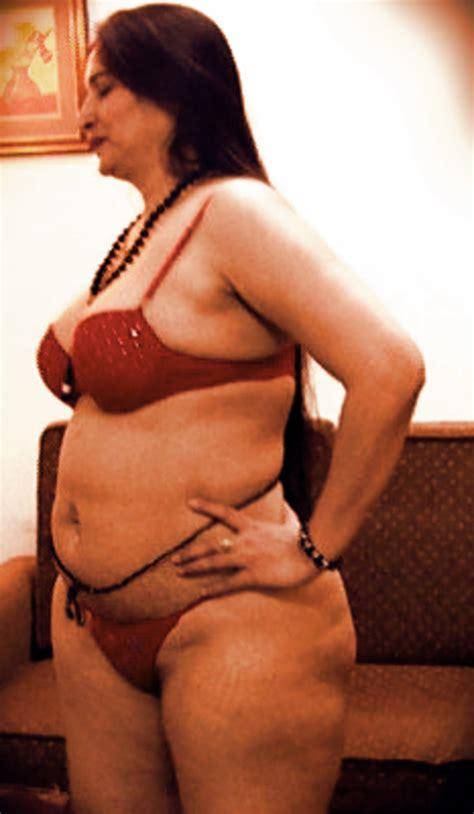 Big Ass Saree aunty nude Show indian Porn Images desi Sex Pictures
